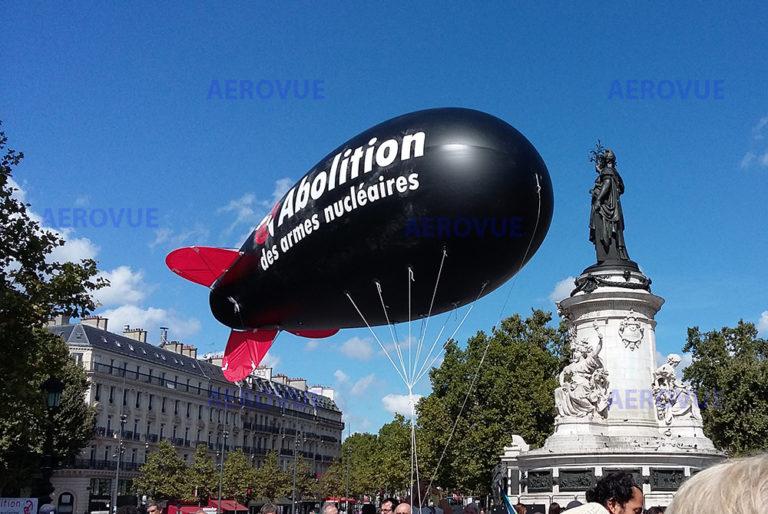 dirigeable-helium-publicitaire-6m-abolition-armes-nucleaires